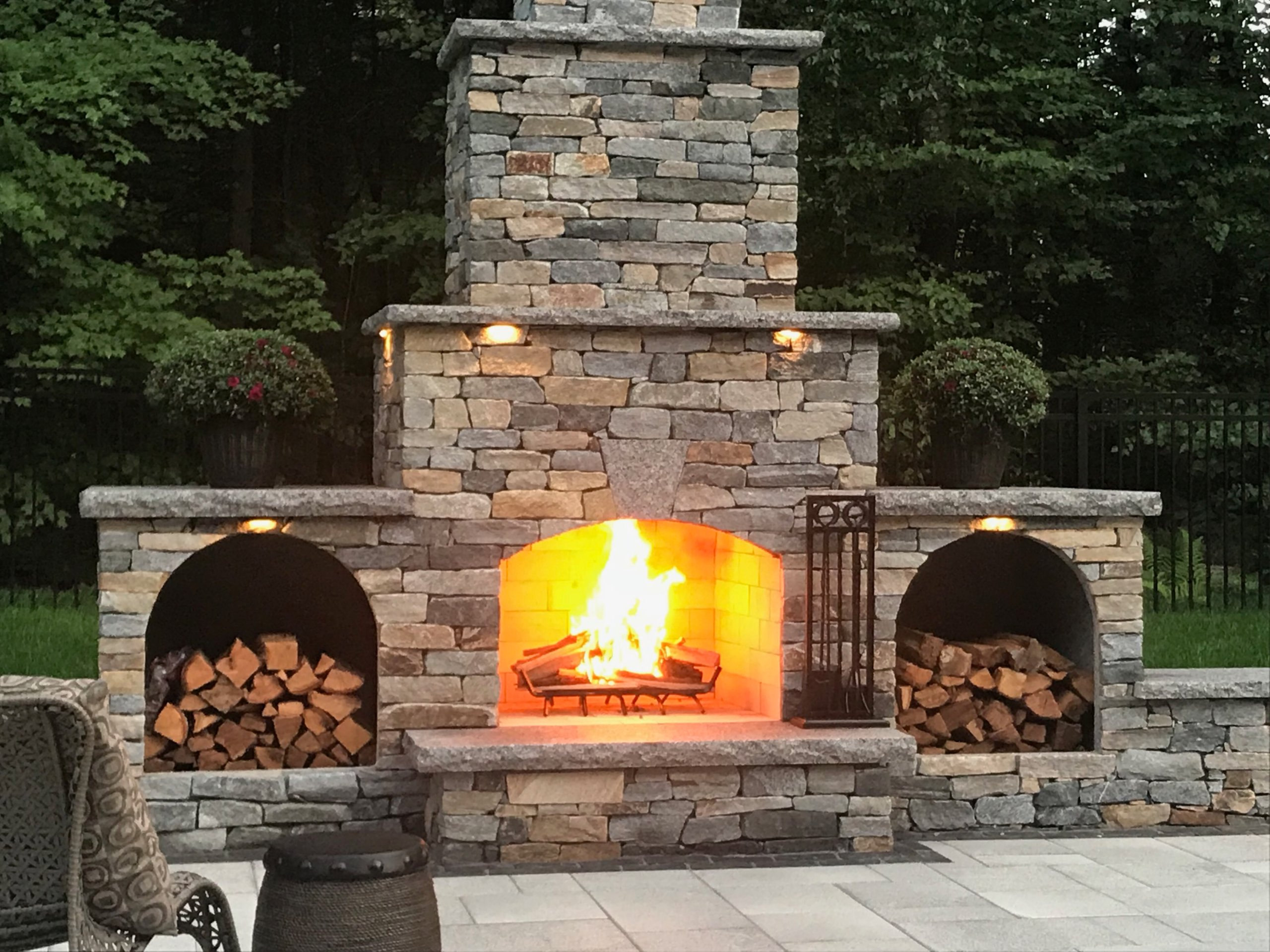 Outdoor-Fireplace-Kit-Contractor-Wood-Storage-Boxes-2