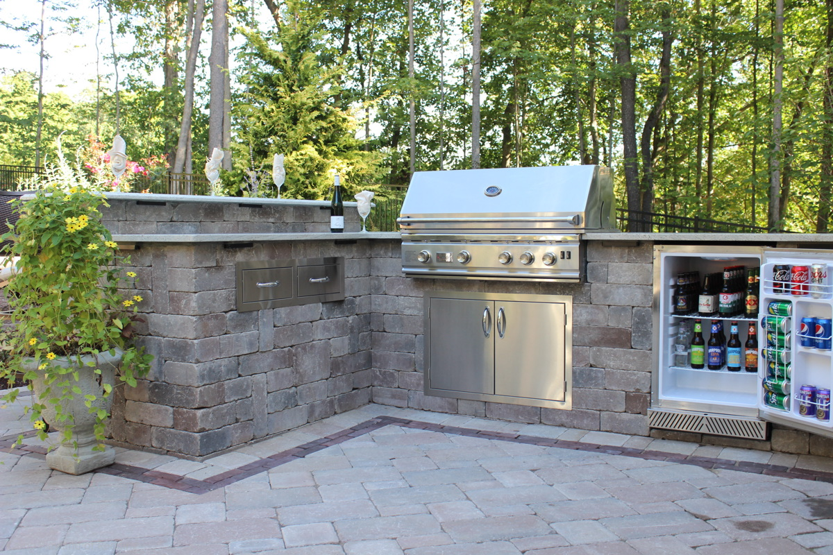How To Create An Outdoor Kitchen Design In 5 Easy Steps! on Summerset Outdoor Living id=54750