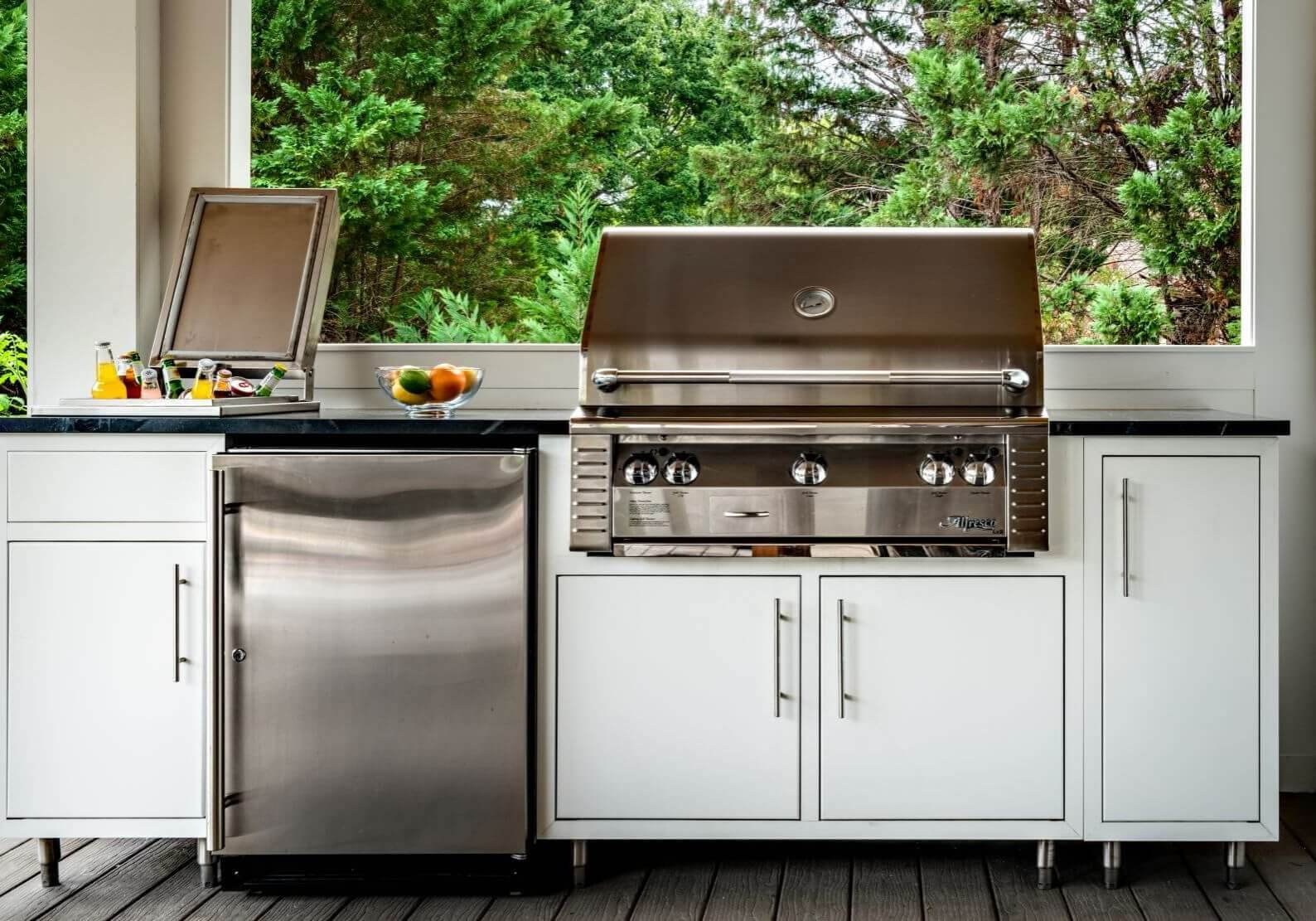 outdoor aluminum kitchen cabinet for an outdoor kitchen on a patio