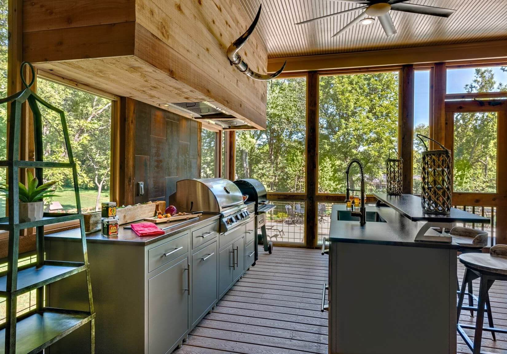Outdoor-Kitchen-Cabinets-Aluminum-on-Deck-CH-12